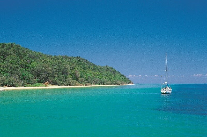 north stradbroke island blue water